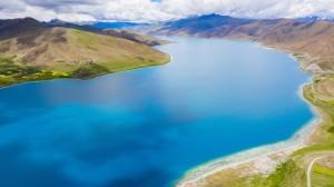 西藏圣湖羊卓雍措风景