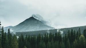 自然山峰美景电脑壁纸